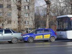 Семь человек пострадали при столкновении двух автобусов в Архангельске