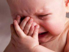 Безответственная мать бросила годовалого сына одного в квартире Архангельска