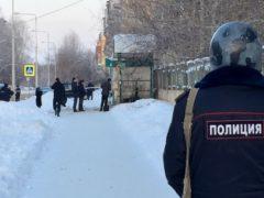 Легковой автомобиль взорвался в центре Архангельска сегодня днём